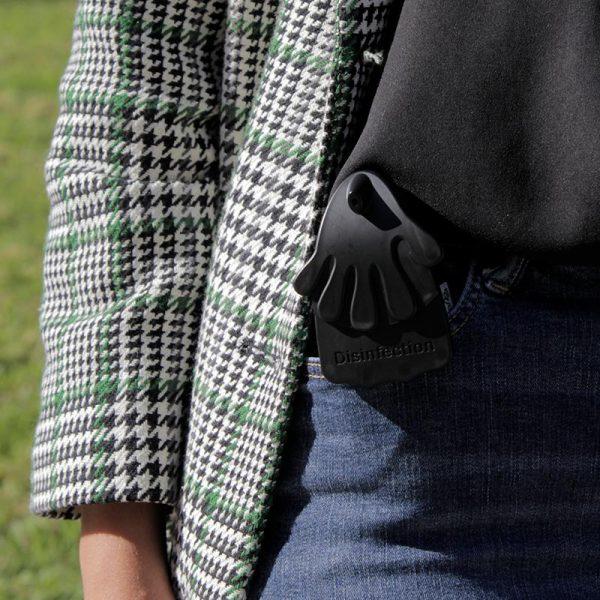 Dispensador preto no bolso- Speedhandy